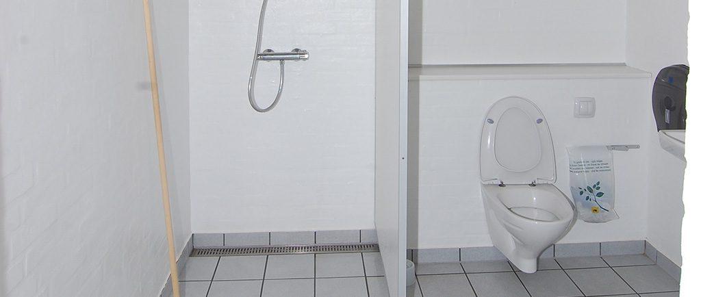 ny-servicebygning-toilet-og-bruser